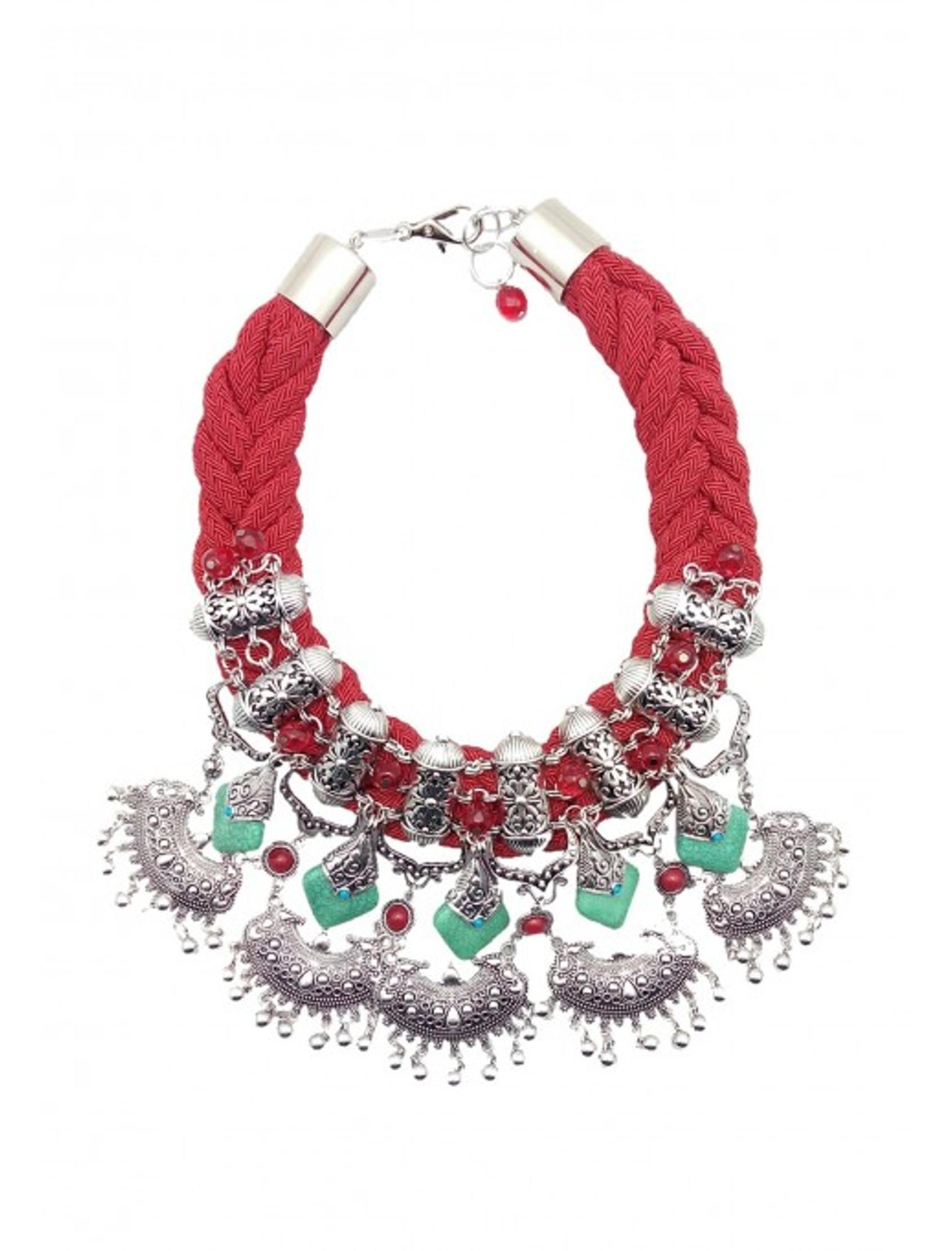 collar star de estilo étnico con cuerda de rayón rojo y pieza metalizada multicolor