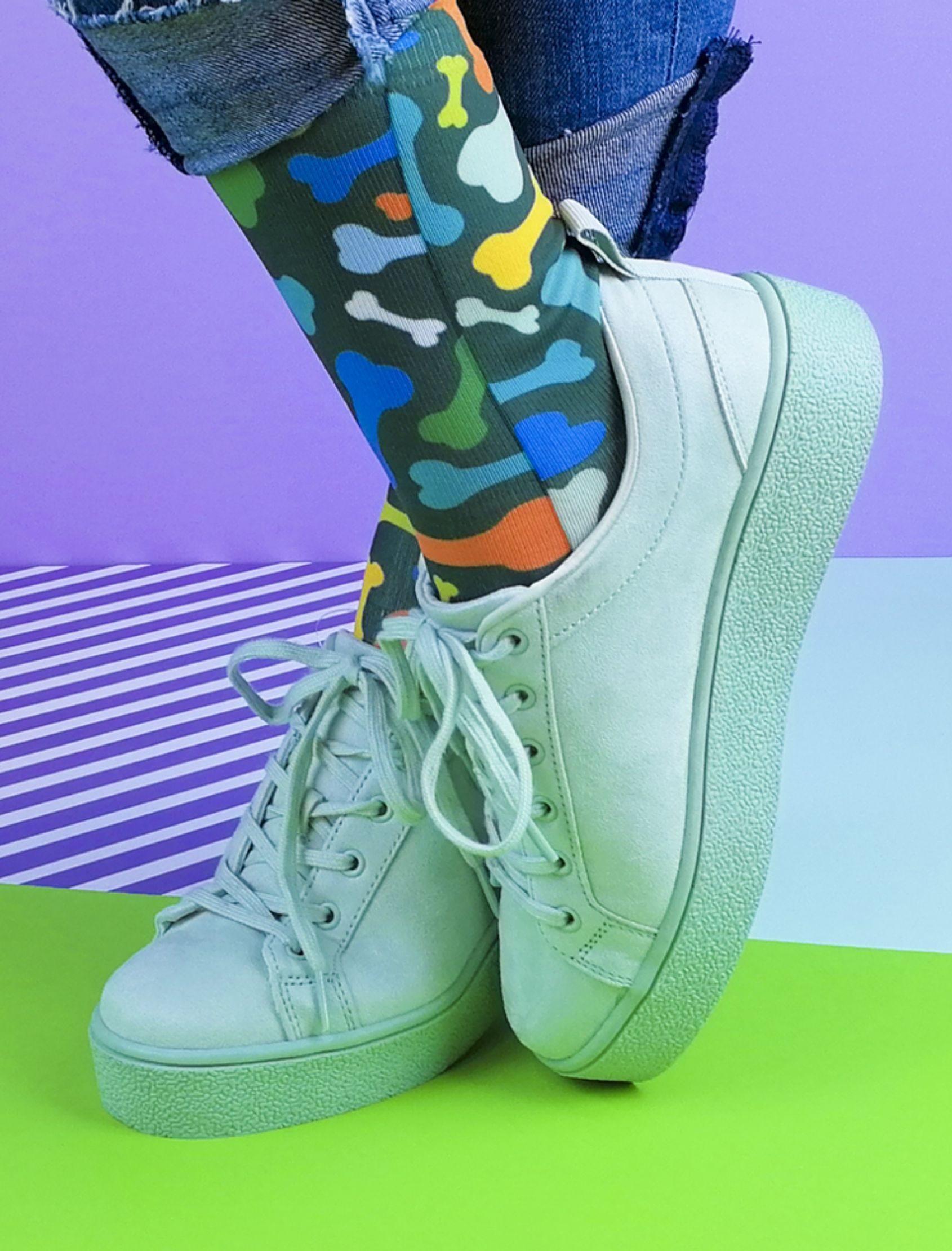 calcetines unisex con estampado de huesos multicolor