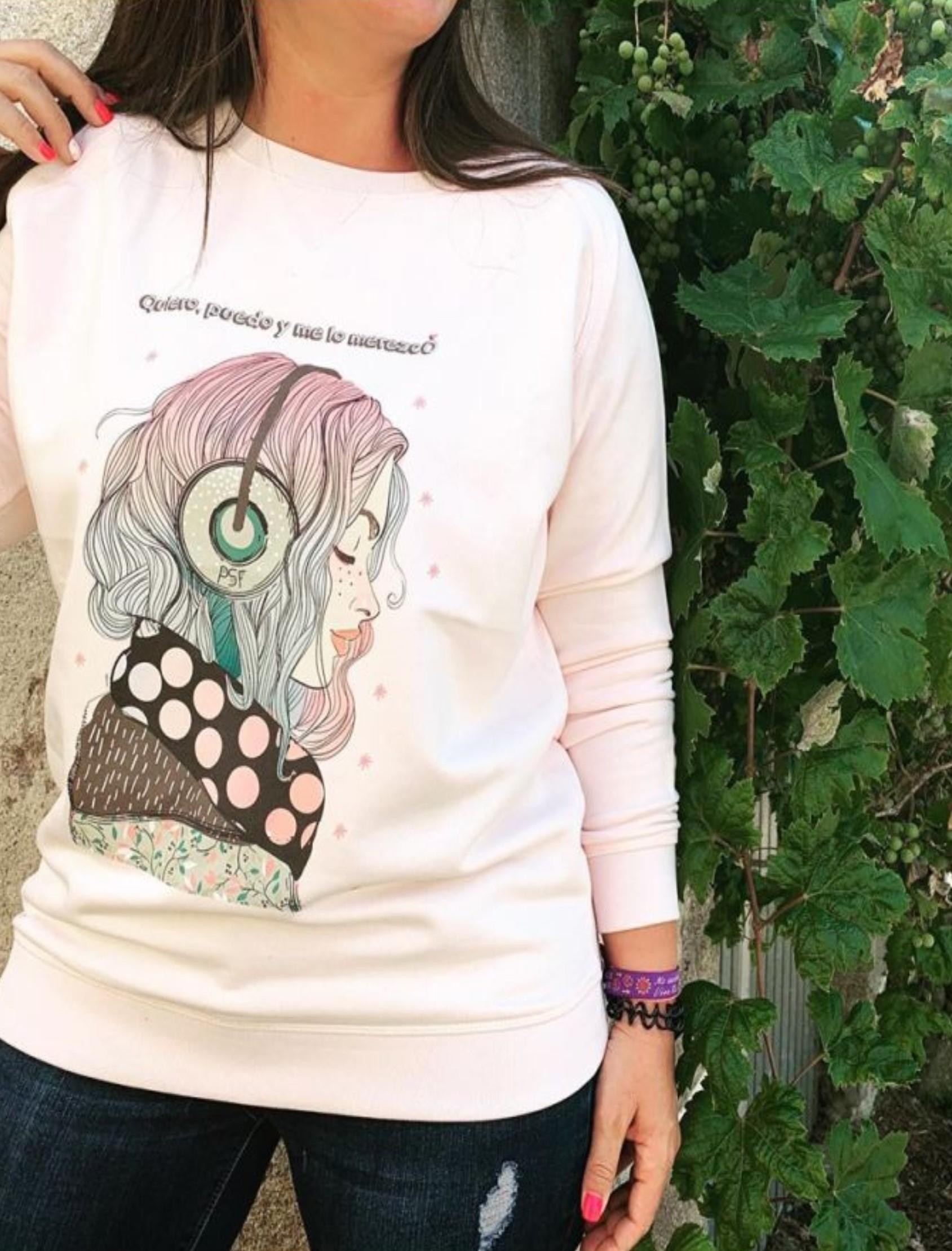 sudadera mujer en rosa palo con ilustración y mensaje Quiero y Puedo