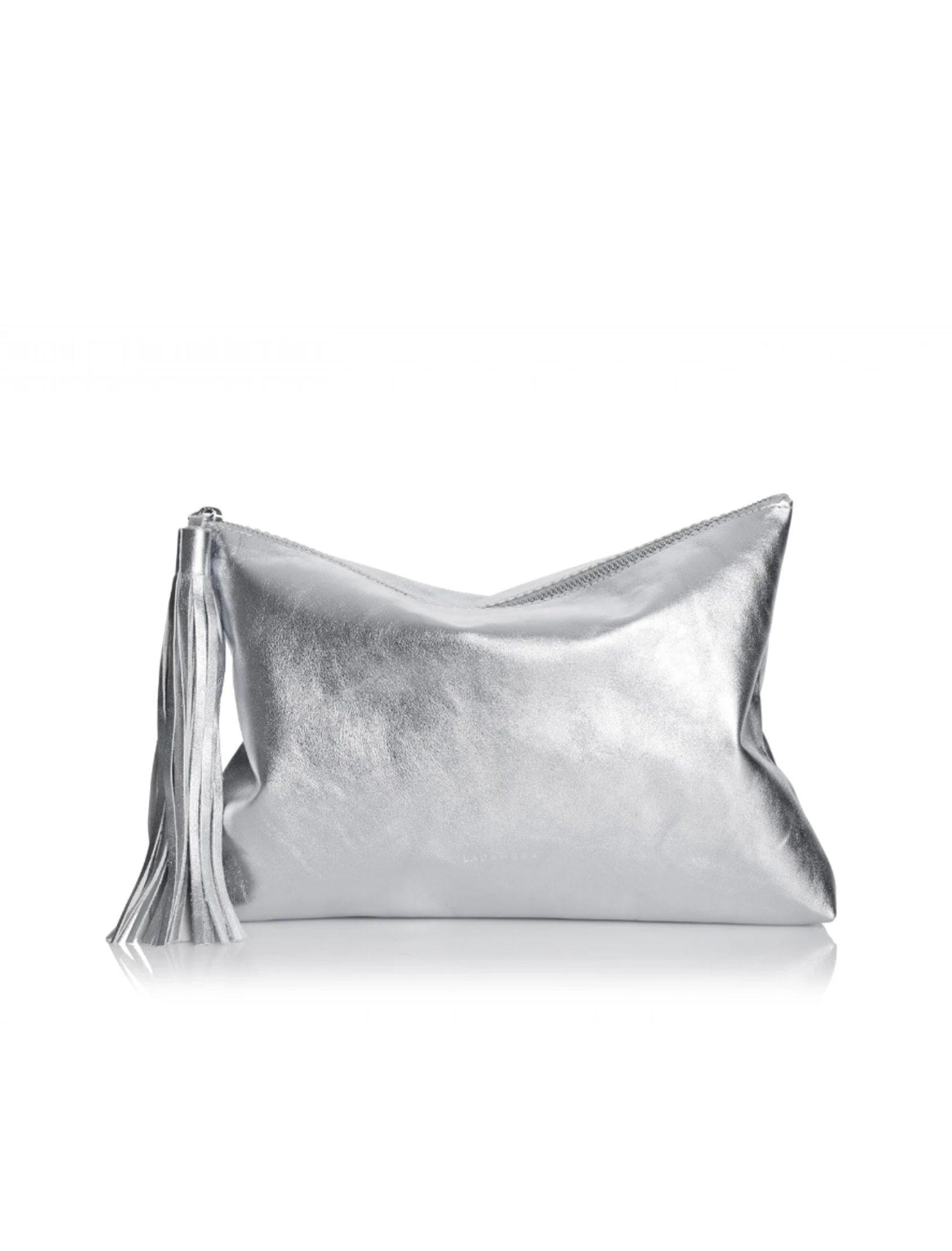 cltuch plata con borla de lacambra en piel de vacuno.