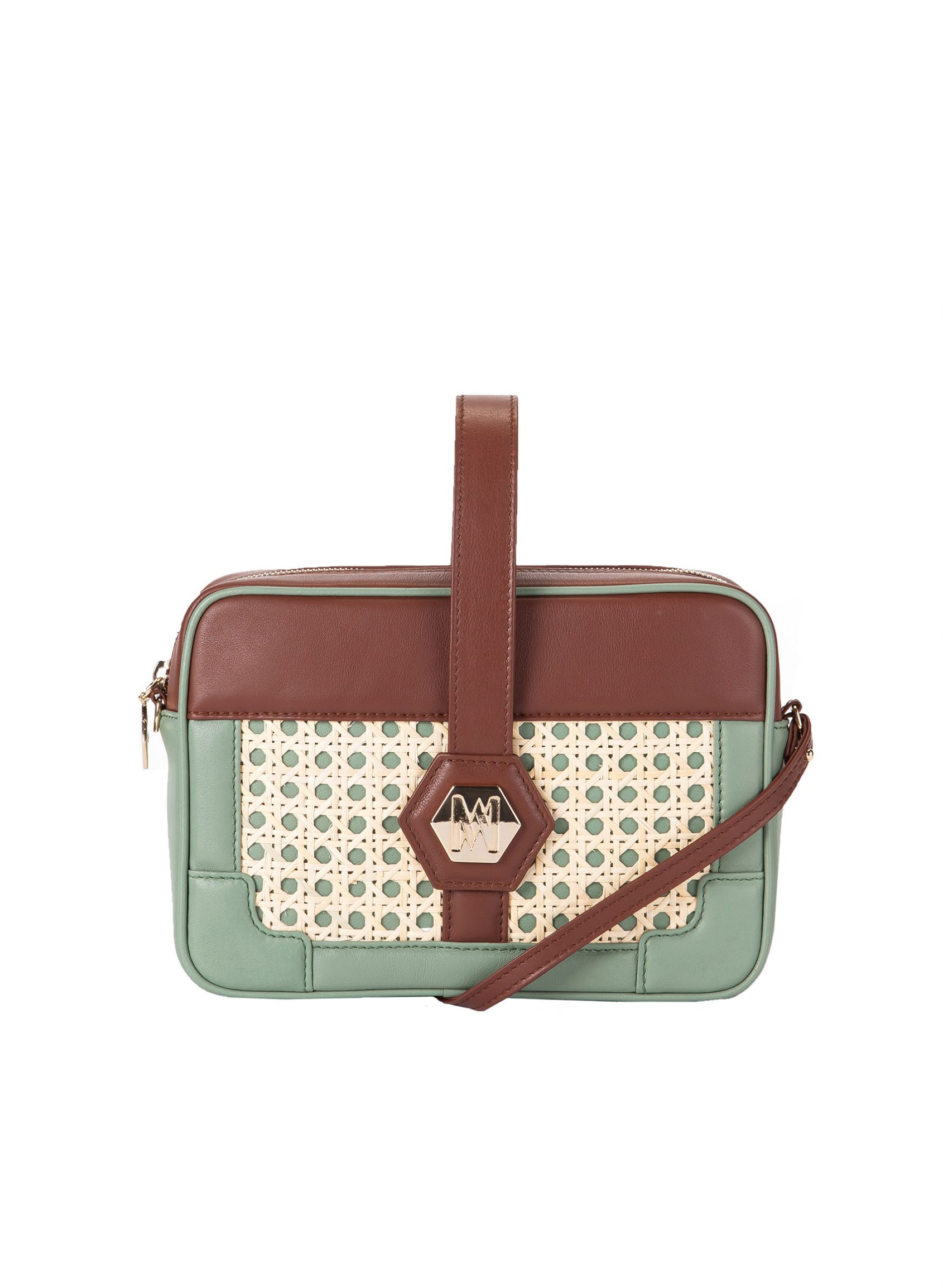 bolso chocolate mint con forma rectangular bicolor en mint y marrón. Piel de novillo y mimbre.
