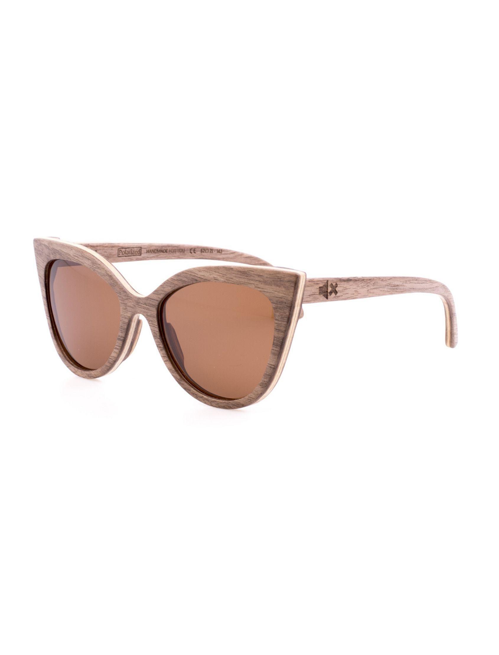 gafas de madera con silueta ojo de gato de ixi wood