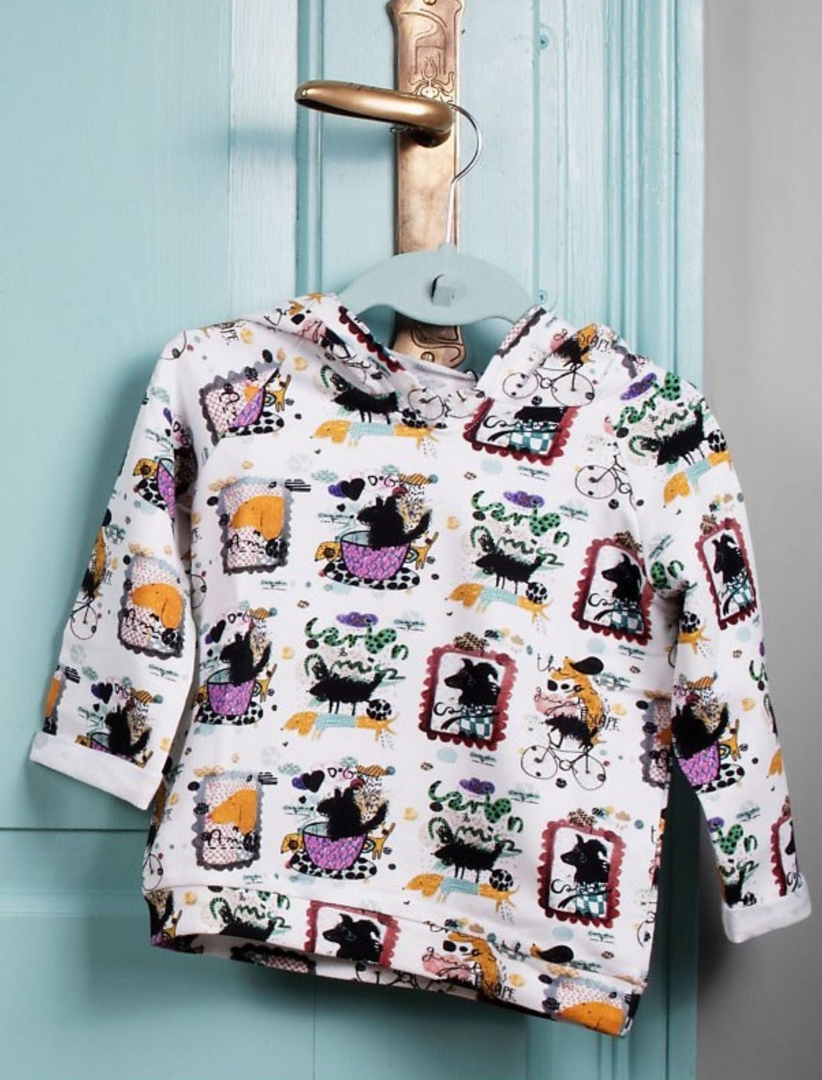 sudadera Funky Friends con capucha y estampado exclusivo