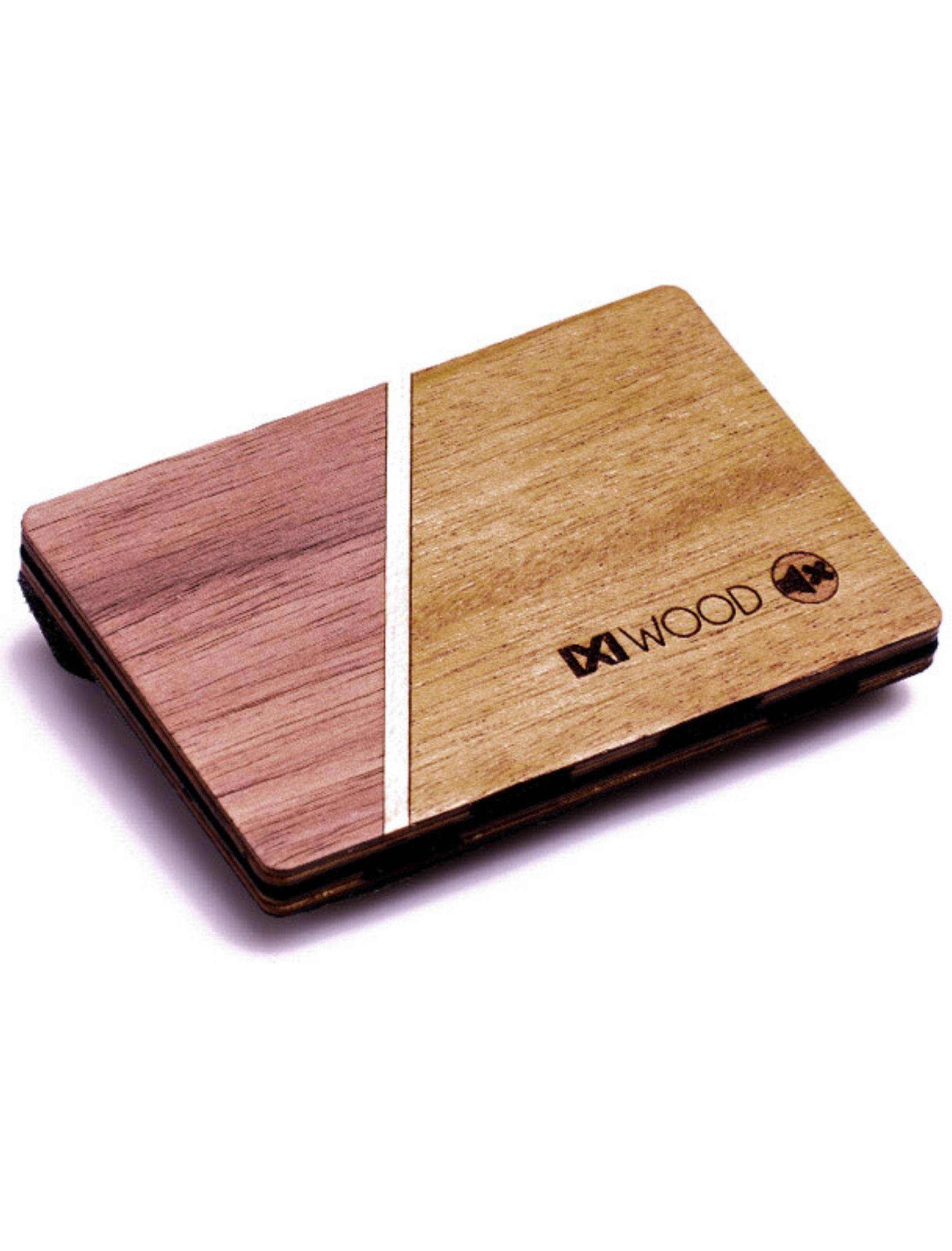 cartera line de Ixi Wood elaborada con madera y doble color. Con Monedero de piñatex.
