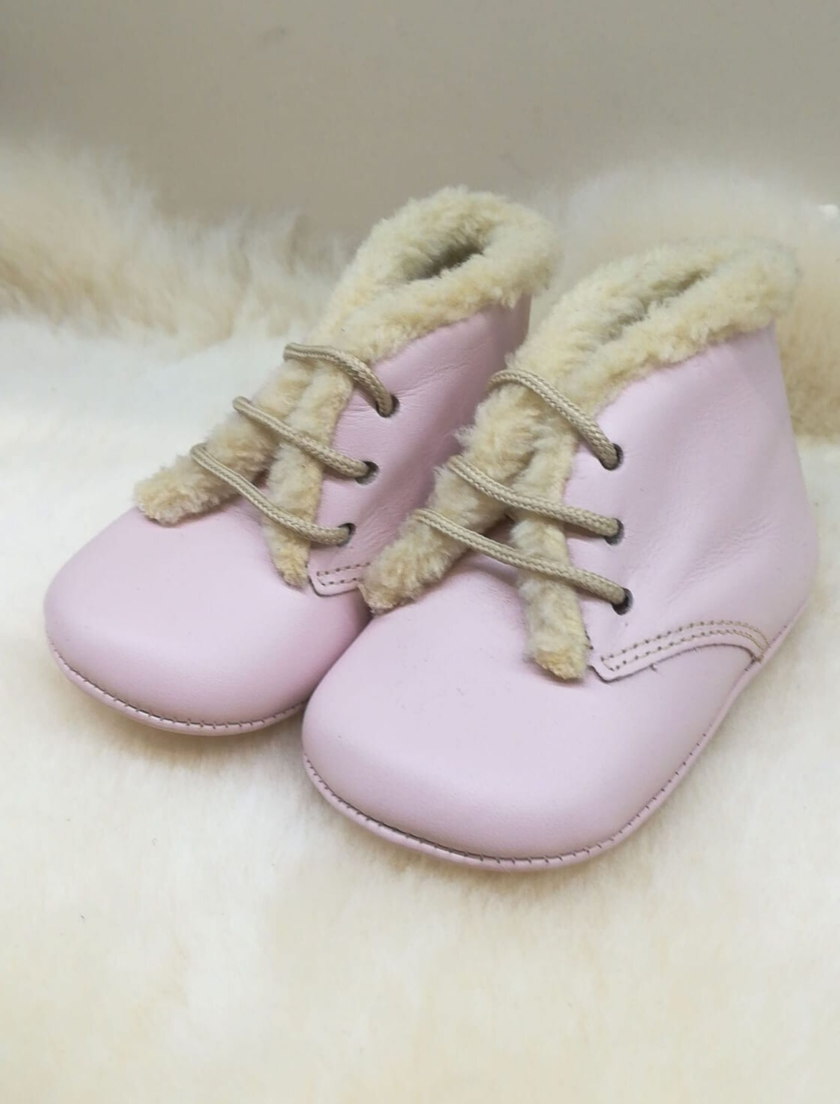 botin borreguillo rosa para bebé