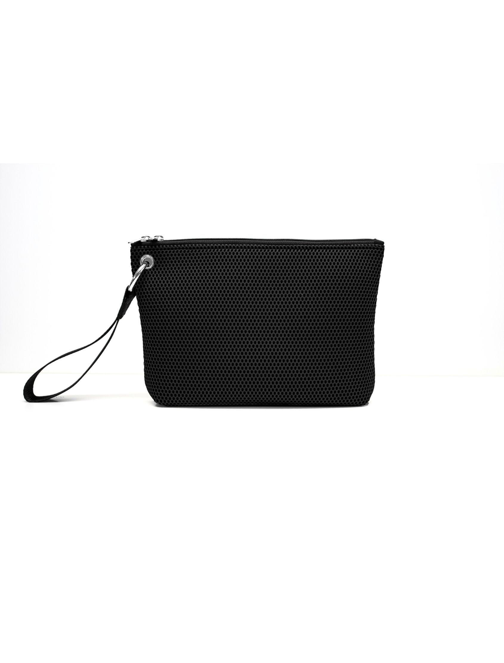 bolso de mano de Peter&Wolf con tejido ténico 3d en color NEGRO