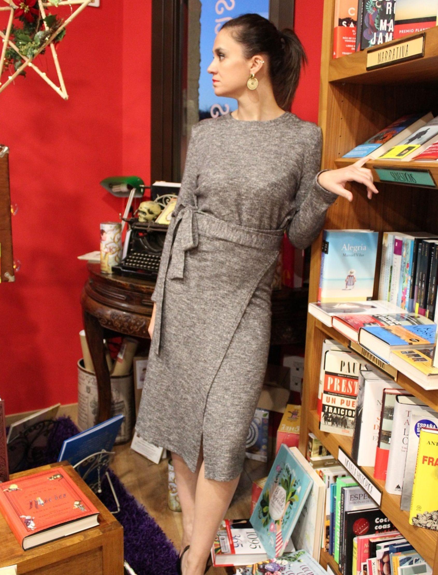 vestido de punto gris efecto pareo de jovonna london