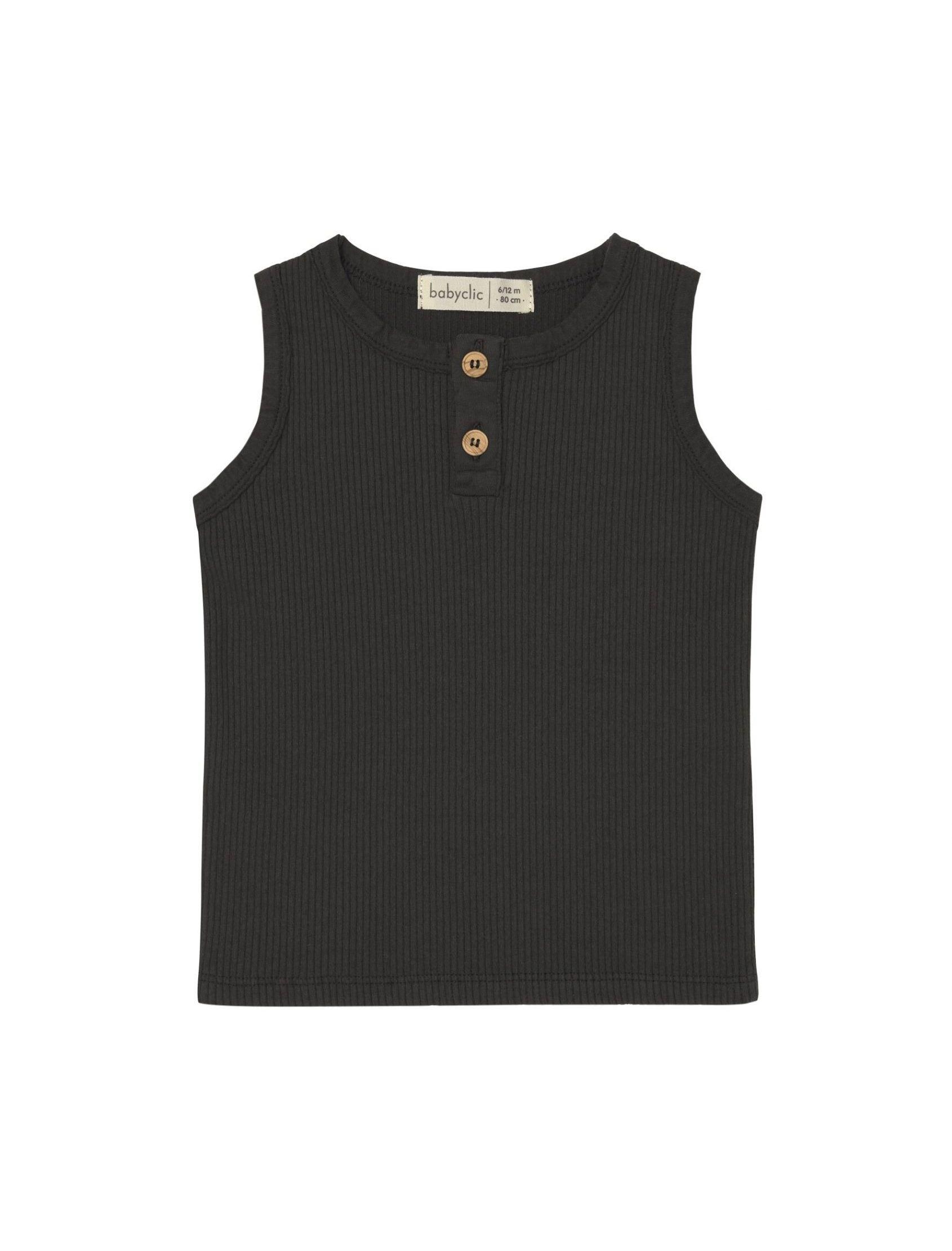 camiseta rib básica en color negro de tirantes con apertura de botones en camel