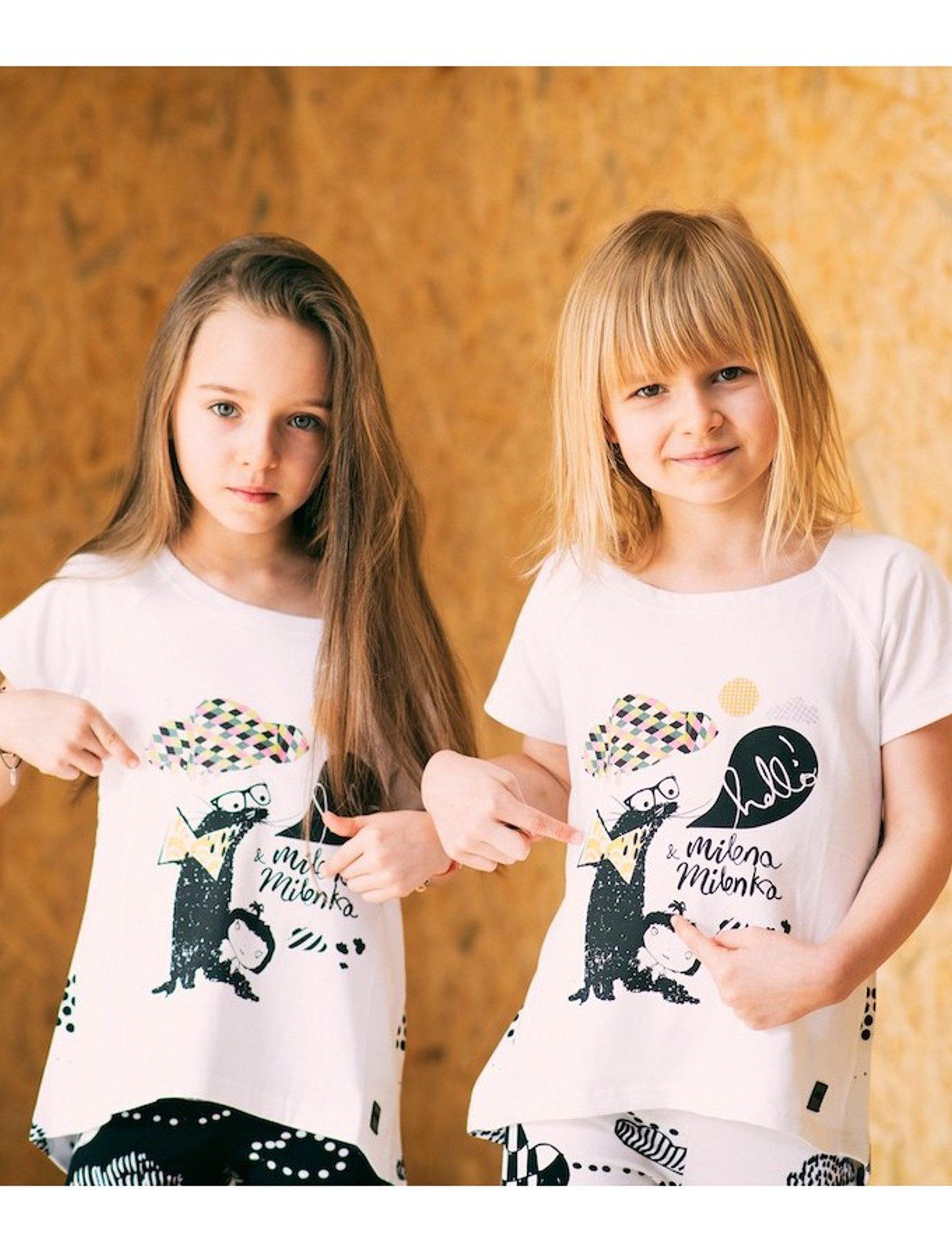 """Camiseta con estampado""""Nuria la Nutria molona"""". Ideal para combinar con los leggings, pantalones y sudaderas MILENA&MILENKA. ¡Es muy suave y no se arruga!"""