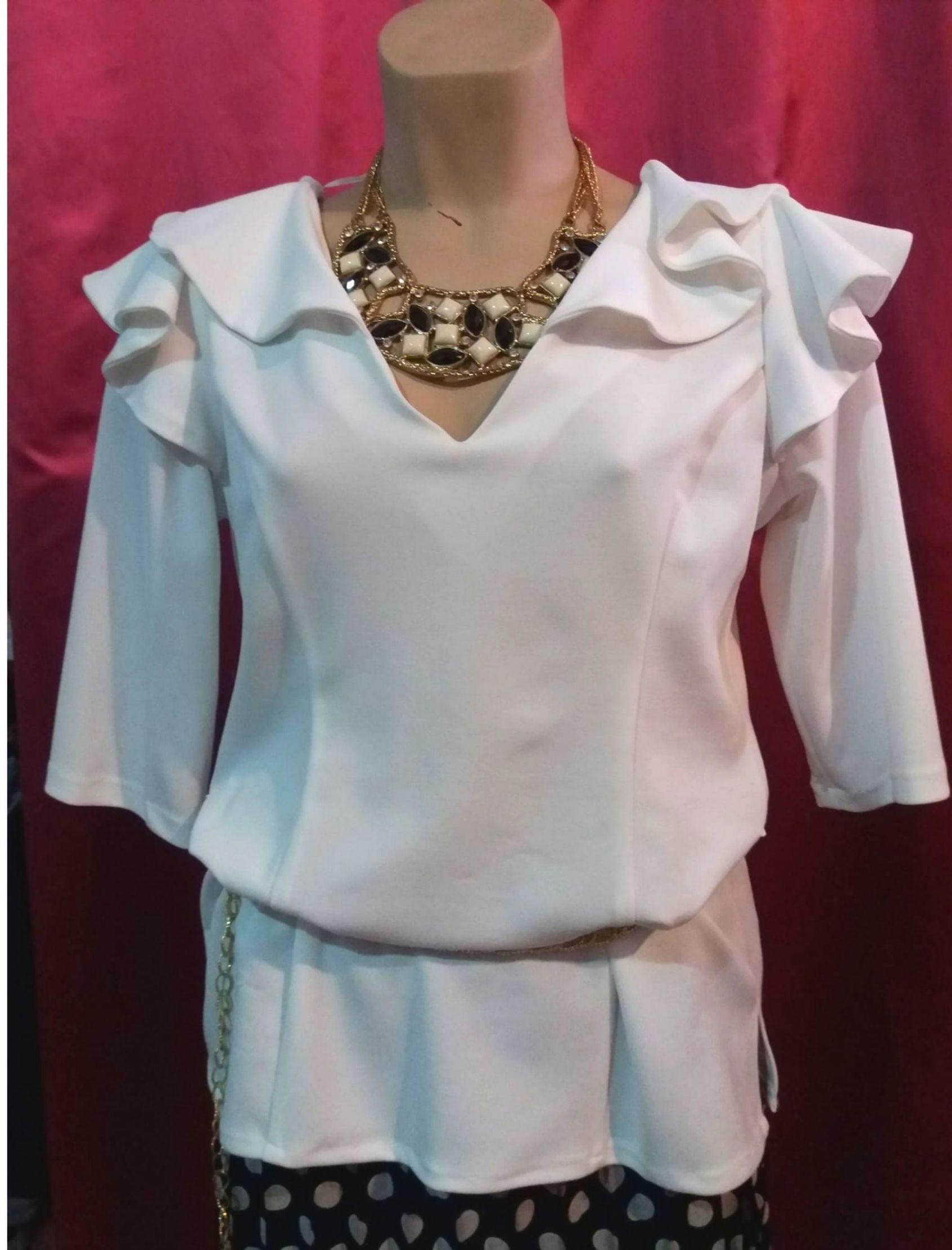 camisa blusa mujer con volantes en color blanco roto