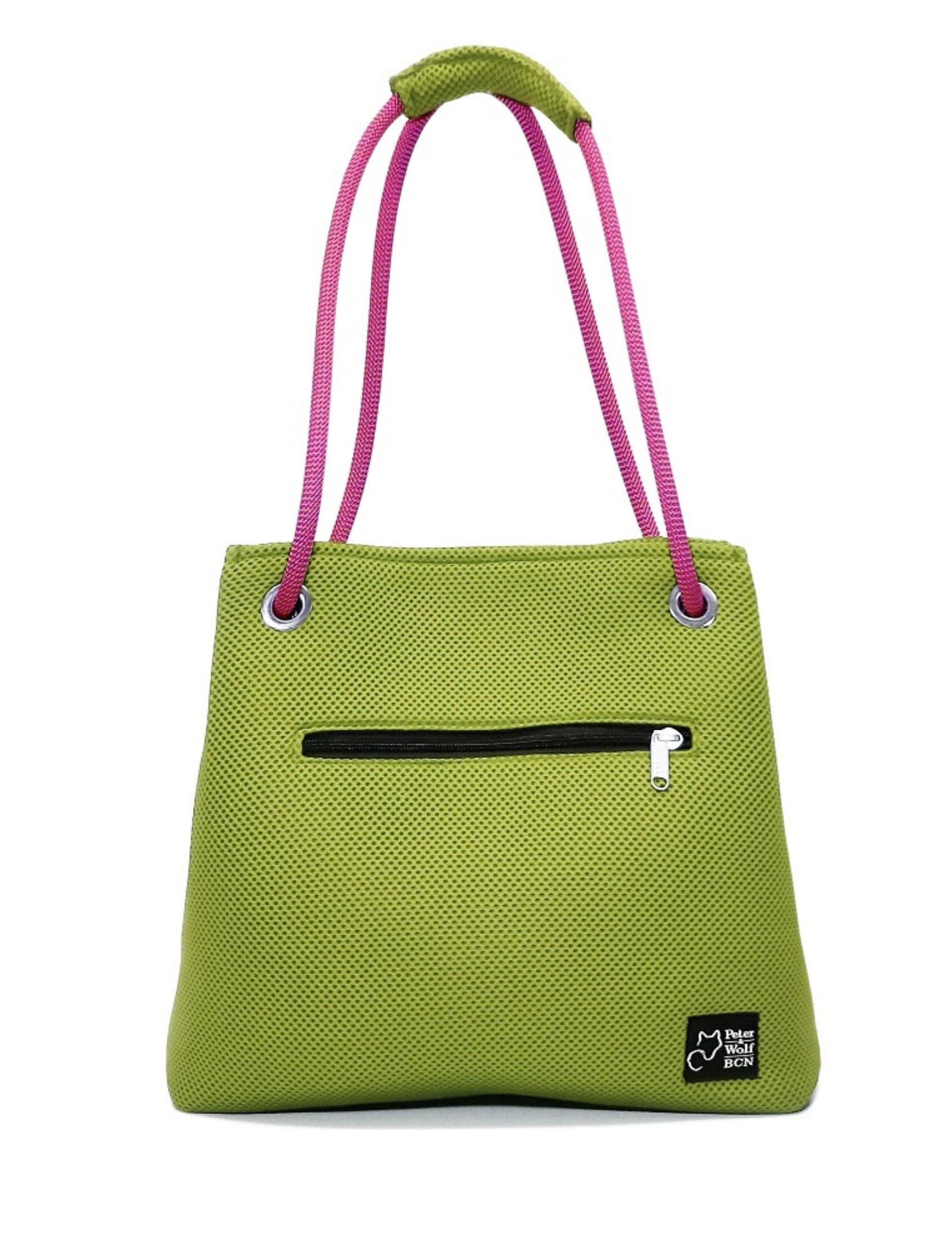 Bolso en tejido 3d tono verde pistacho con asa de cuerda de escalar fucsia