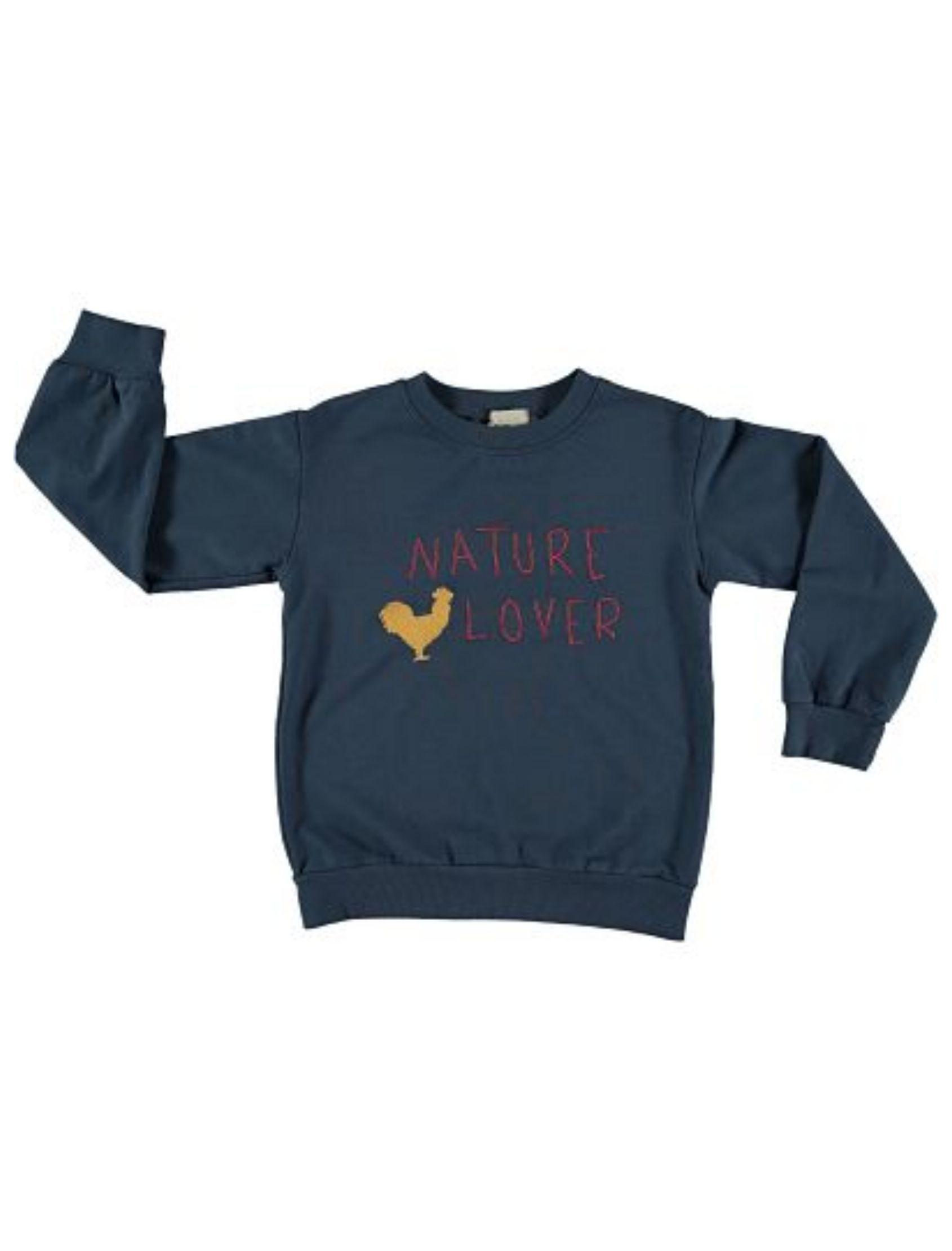 suadera infantil azul con mensaje nature lover y dibujo de gallo de piñata pum