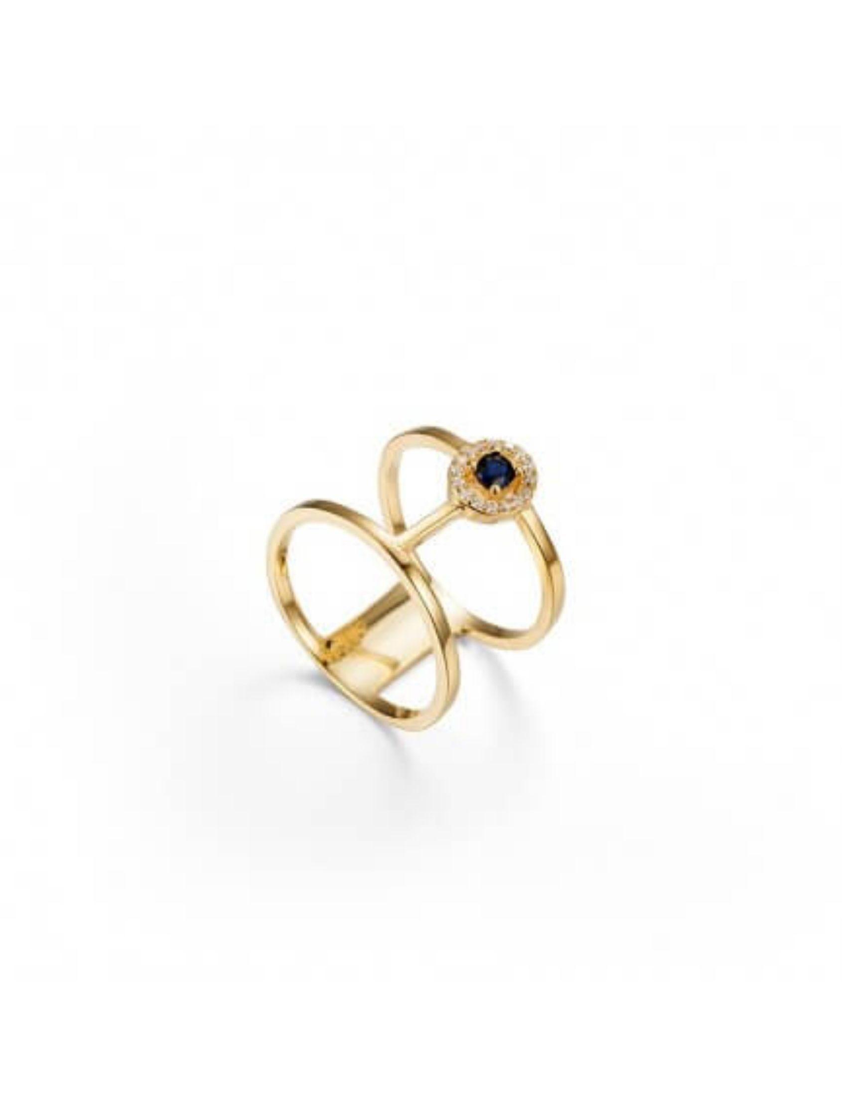 anillo magno en plata bañada en oro con circonitas