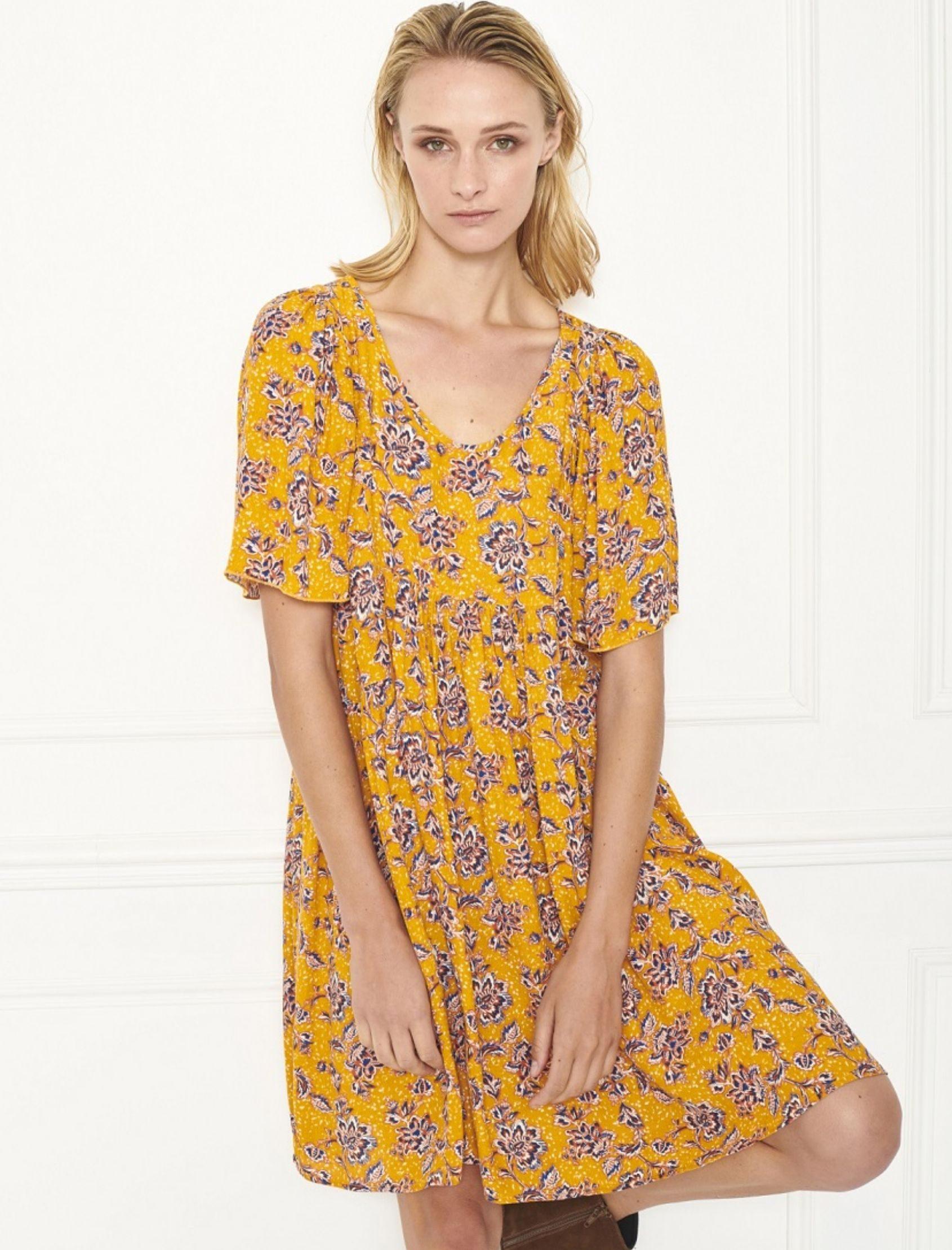 vestido ropari de mujer amarillo estampado con cuellos pico