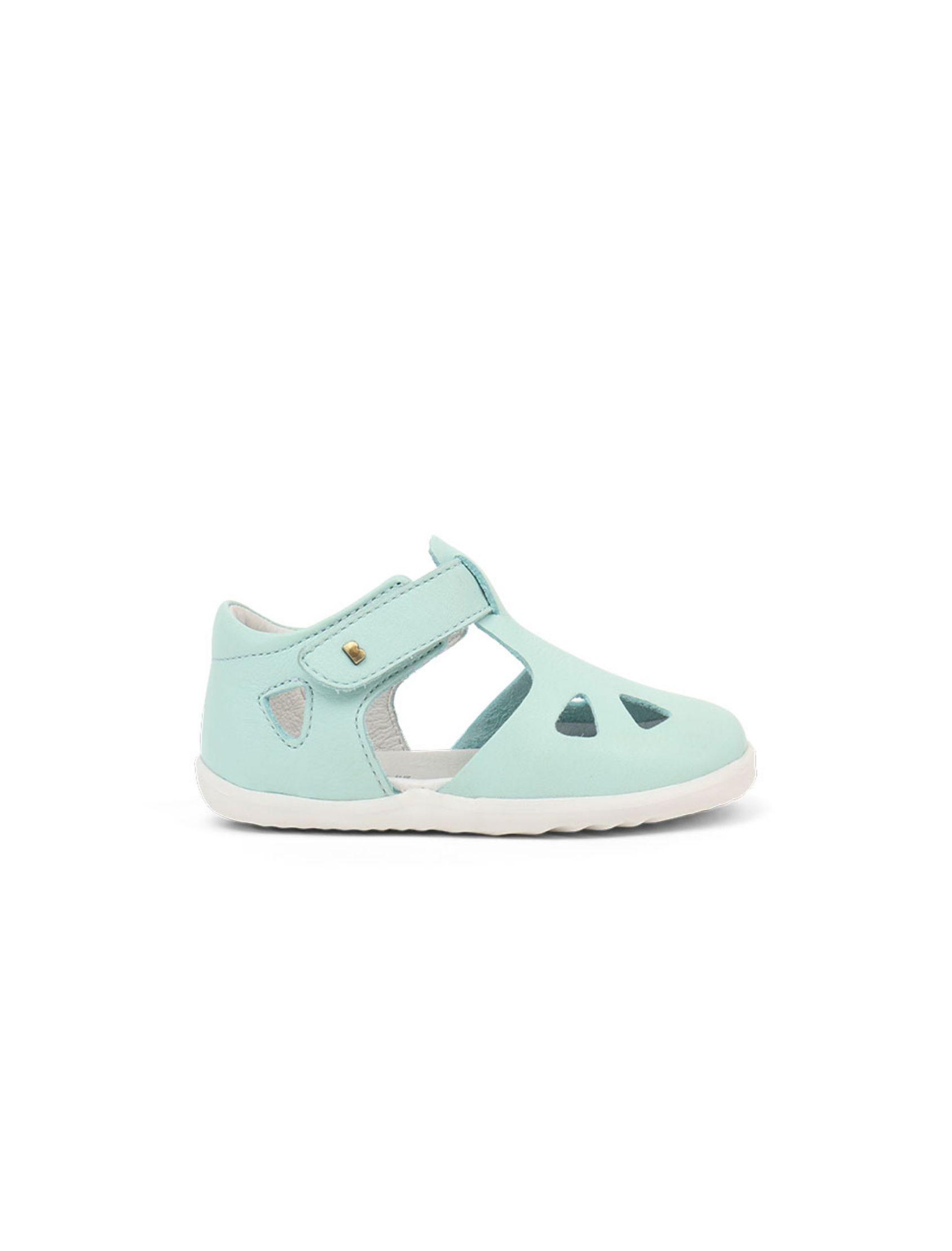 sandalia step up mint para niño y niña en color menta con suela blanca