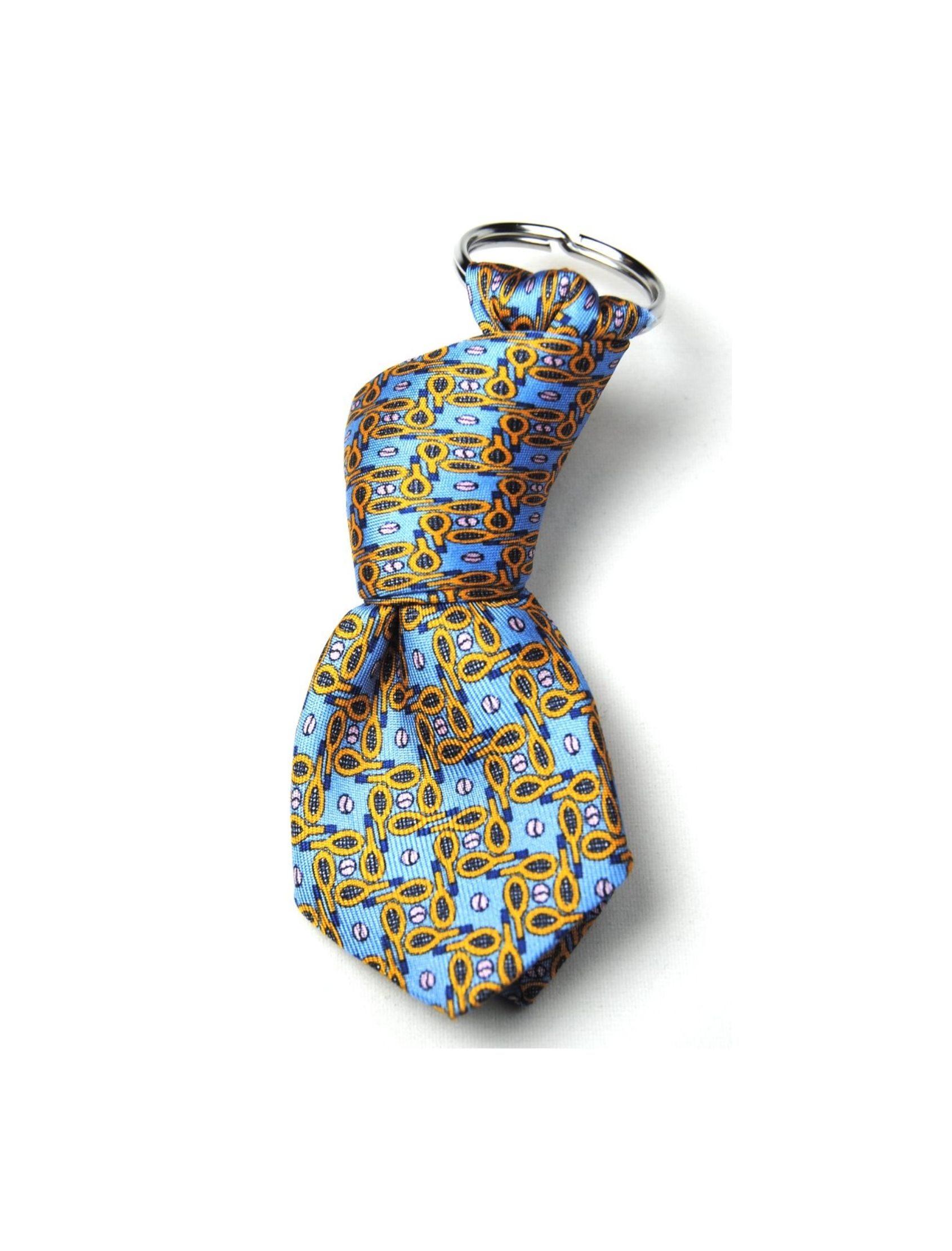llavero con forma de mini corbata y estampado raquetas de tenis multicolor