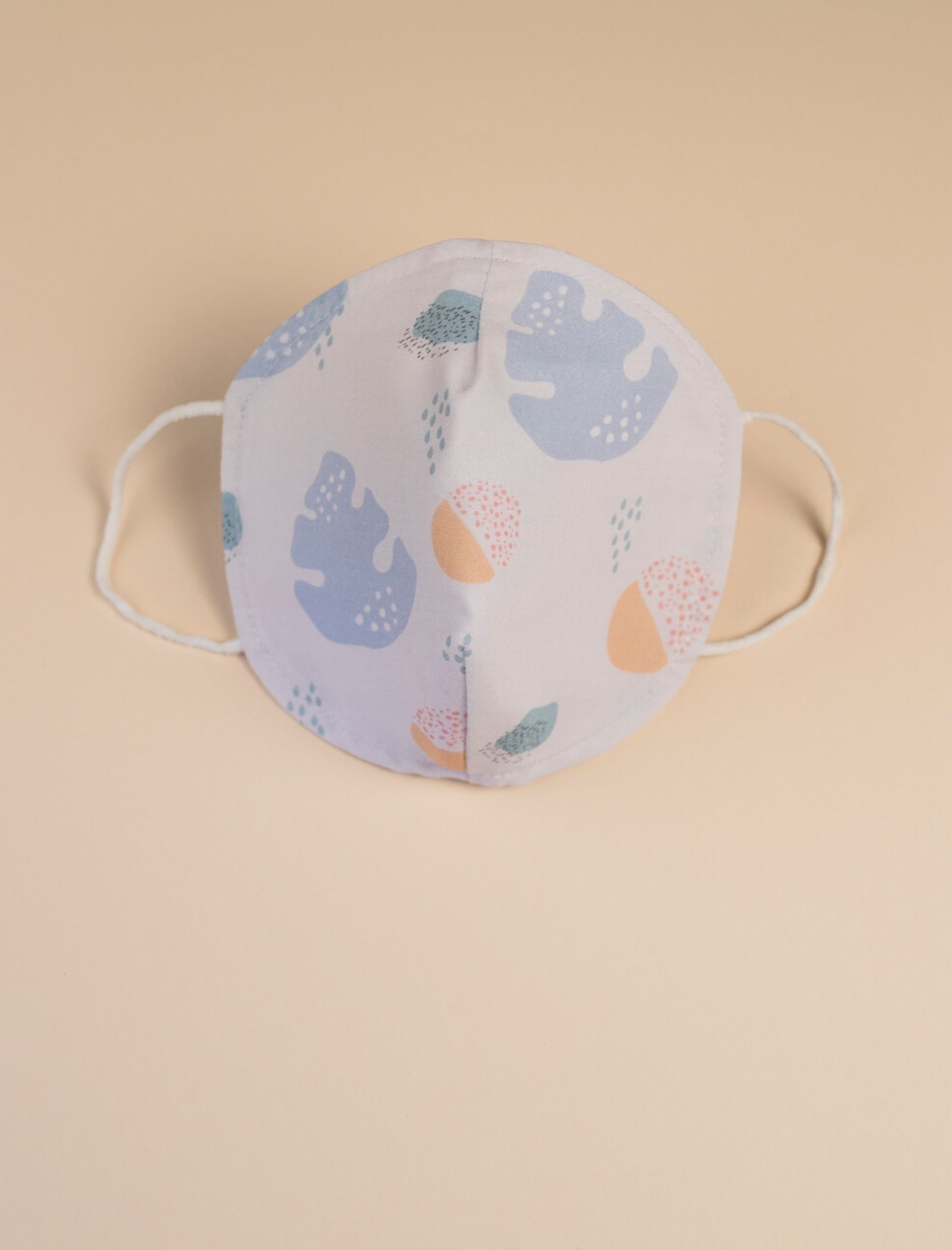 Mascarilla infantil blue con estampado multicolor