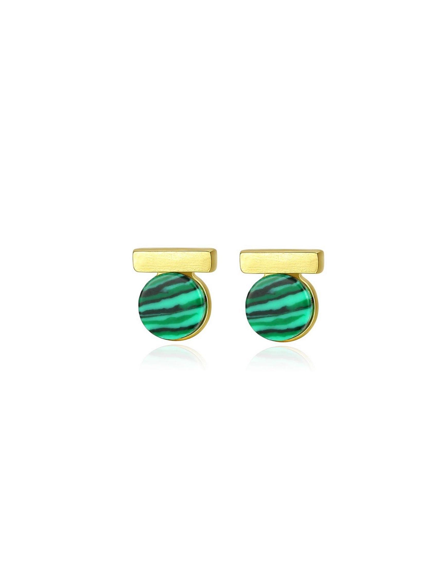 pendientes oro victoria amazonica con malaquita verde marmolada en forma redondeada