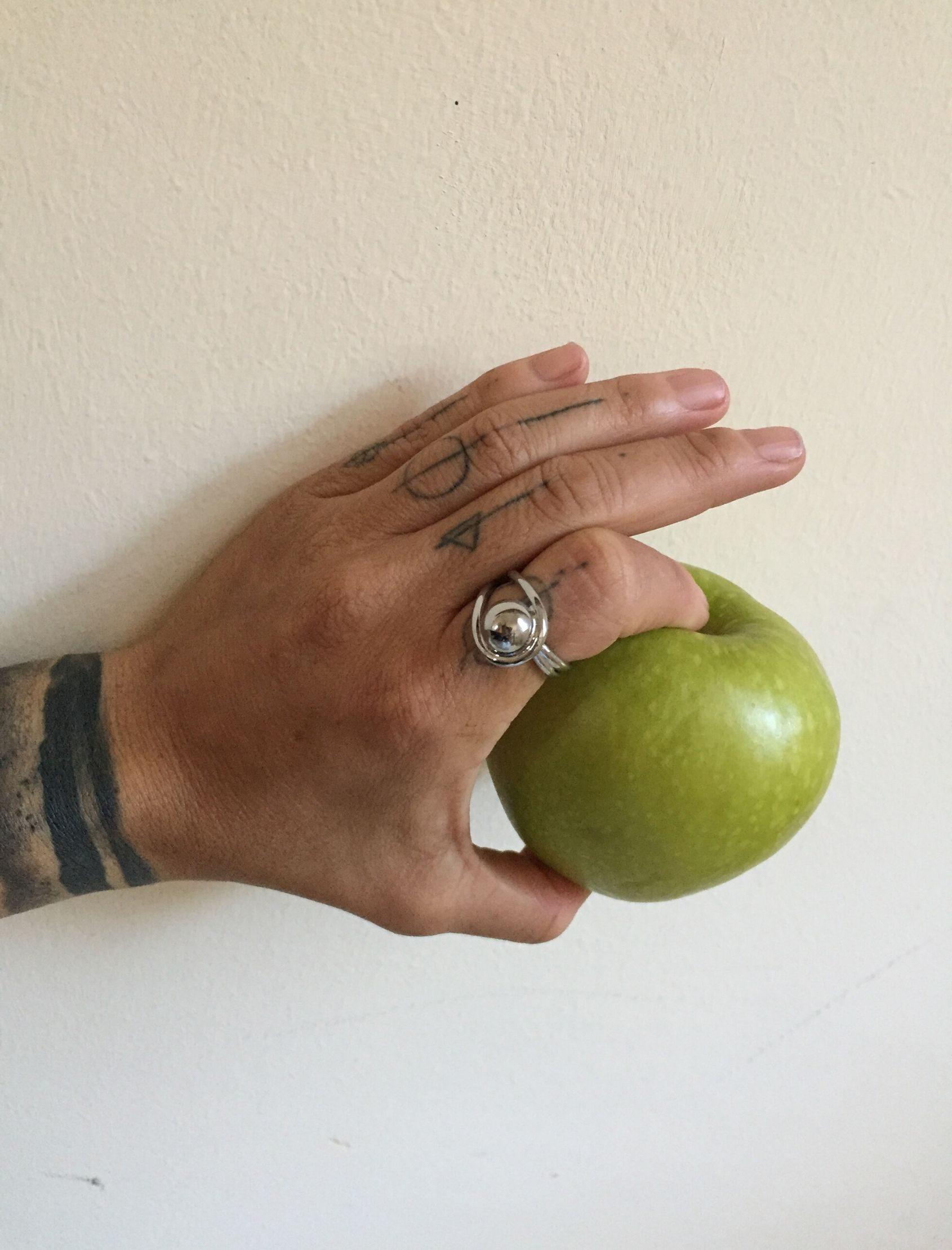 anillo luca de acero bañado en plata
