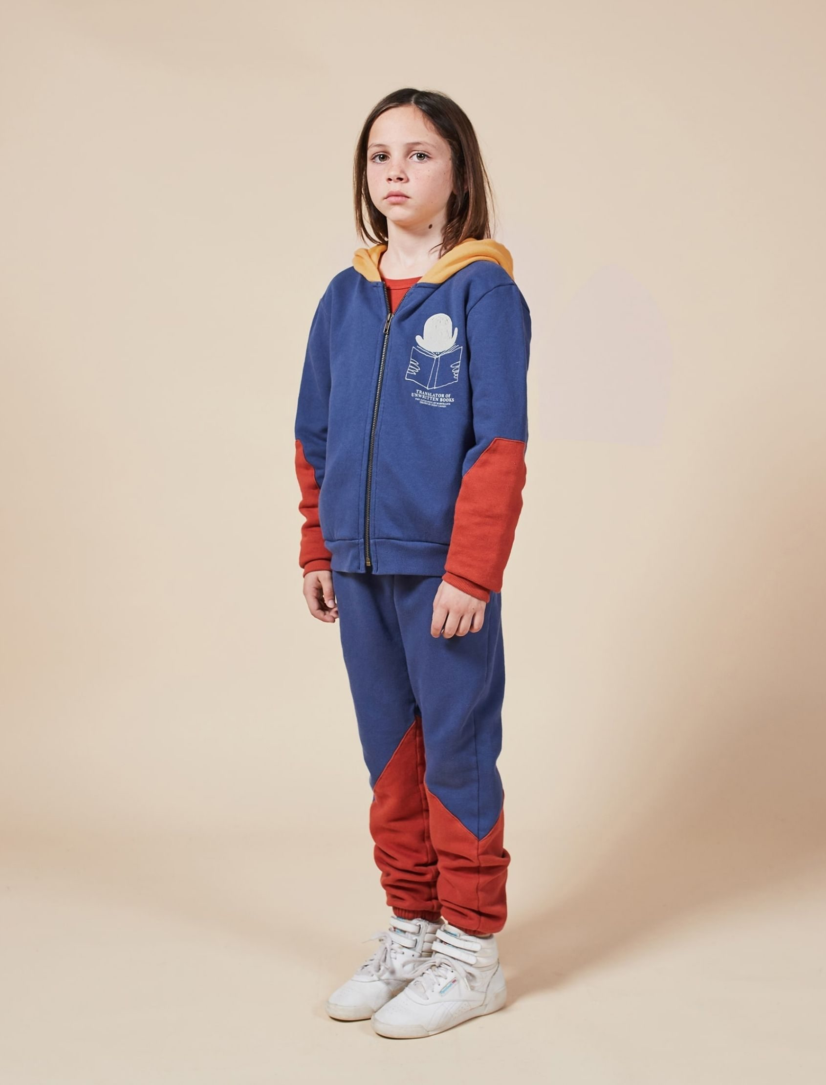 *sudadera tricolor kids con cremallera en color azul, teja y camel de bobo choses
